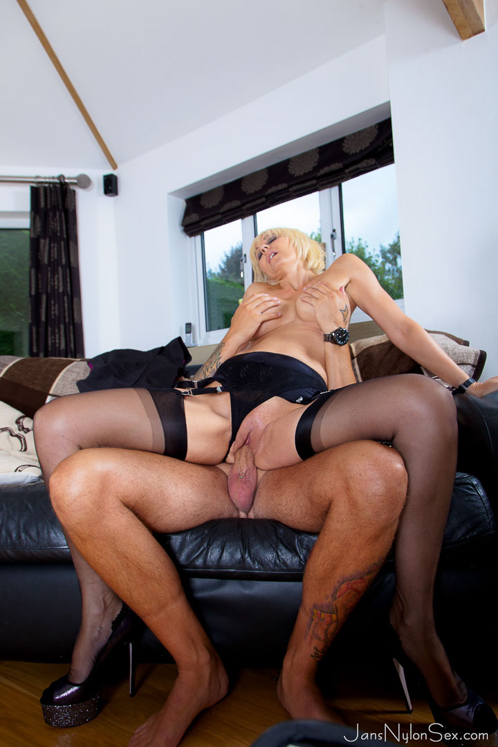 Sexy MILF Jan Burton gets fucked by the kitchen salesman ...